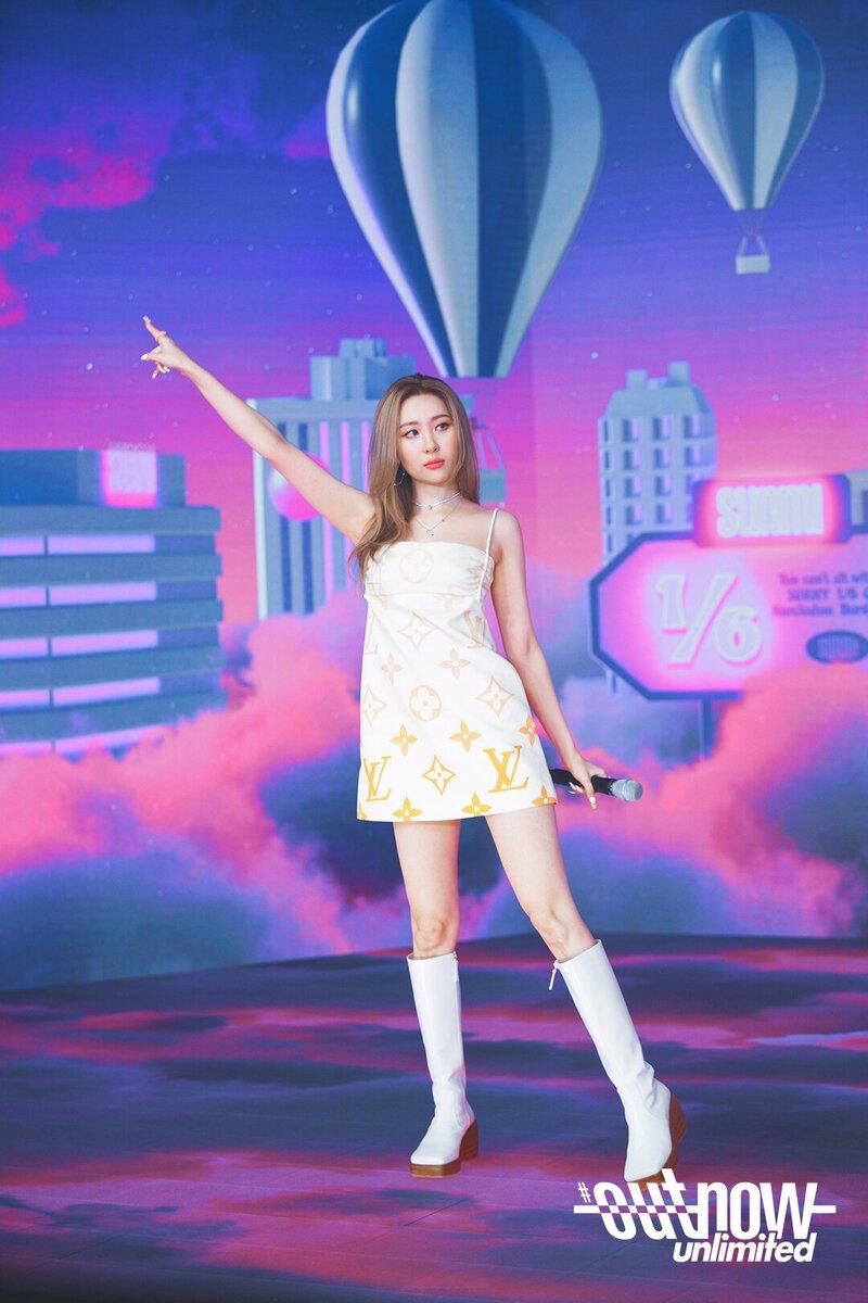 Nayeon mặc xấu
