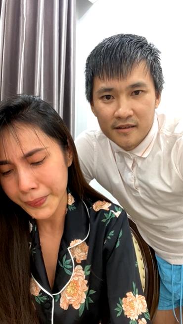 HOT: Thủy Tiên khóc nấc trên livestream nói về ồn ào từ thiện