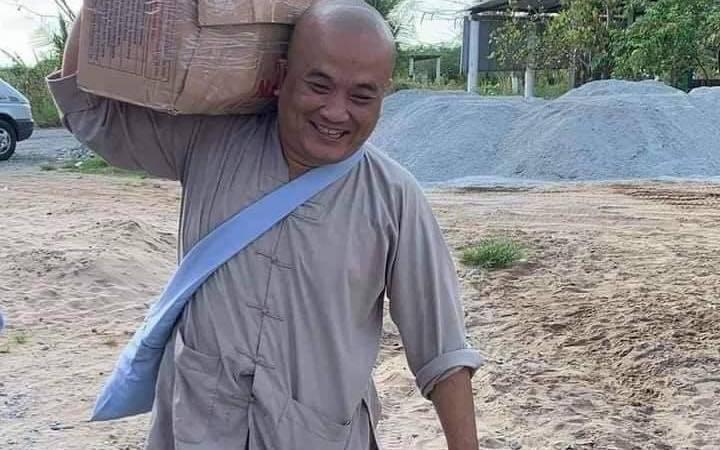 """Chủ bếp ăn từ thiện Cường """"béo"""" qua đời vì COVID-19: Dành toàn bộ tâm tư, sức lực để làm việc thiện giúp đời"""