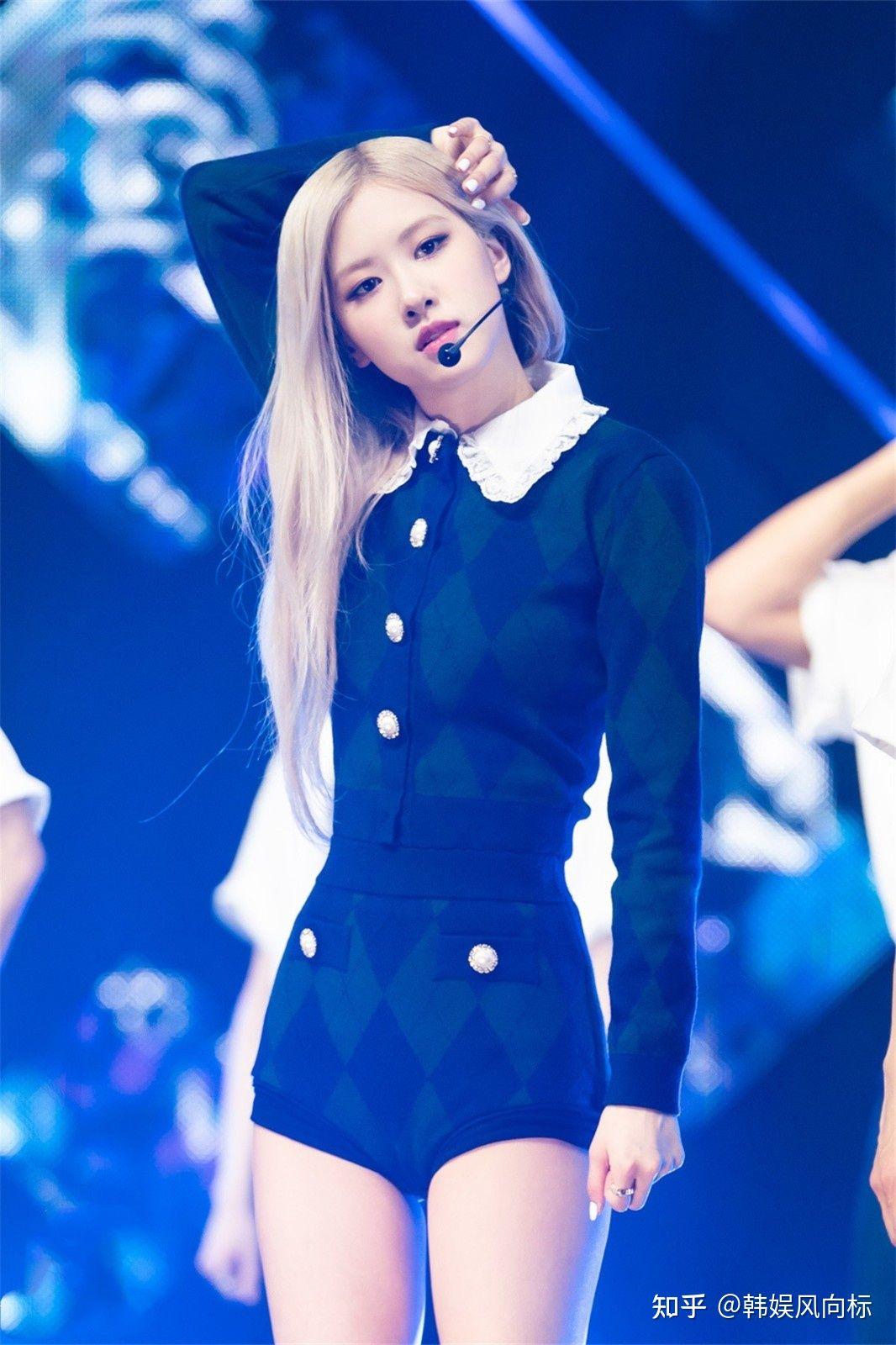 """Cosplay Rosé """"y xì đúc"""", Somi được netizen bênh vực nhưng fan vẫn lấn cấn bực bội với stylist - Ảnh 8."""