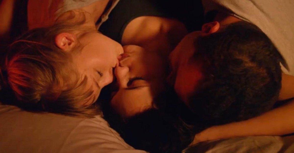 """Phim 18+ Love: Triết lý tình yêu tìm thấy trong những cảnh quay giường chiếu trần trụi đến """"đỏ mặt"""" - Ảnh 5."""