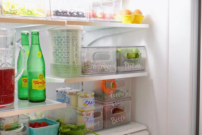 """Tôi đã """"xử đẹp"""" chiếc tủ lạnh đang ngổn ngang đồ đạc chỉ với cách đơn giản này - Ảnh 5."""