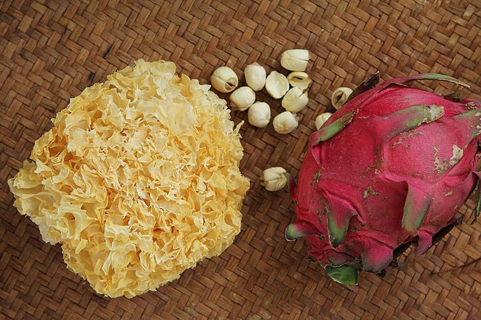 Nấu chè dưỡng nhan vừa ngon vừa đẹp chỉ với 4 nguyên liệu đơn giản - làm ngay để hết dịch da láng mịn trắng hồng! - Ảnh 1.