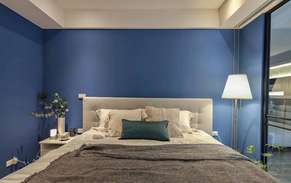 Căn hộ đầy nắng với góc nào cũng riêng tư, hiện đại dù diện tích khiêm tốn - Ảnh 11.