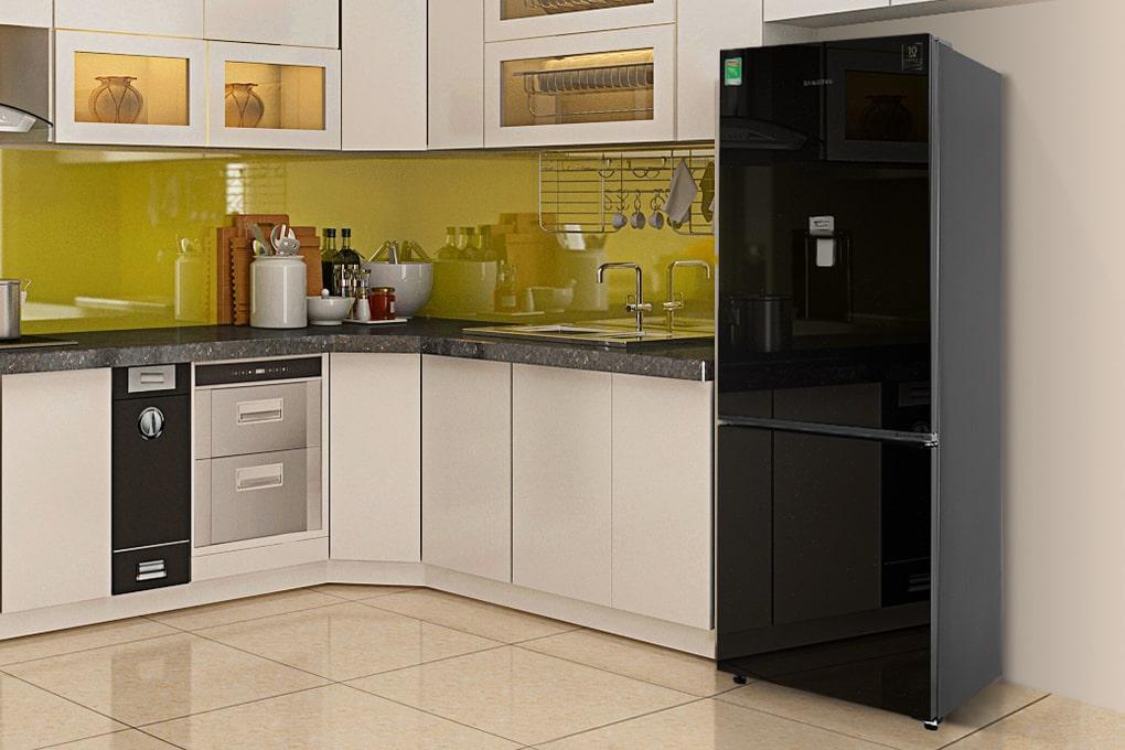 Dù nhà bếp chật chội đến đâu thì bạn cũng đừng nên cất những món đồ này lên nóc tủ lạnh  - Ảnh 3.