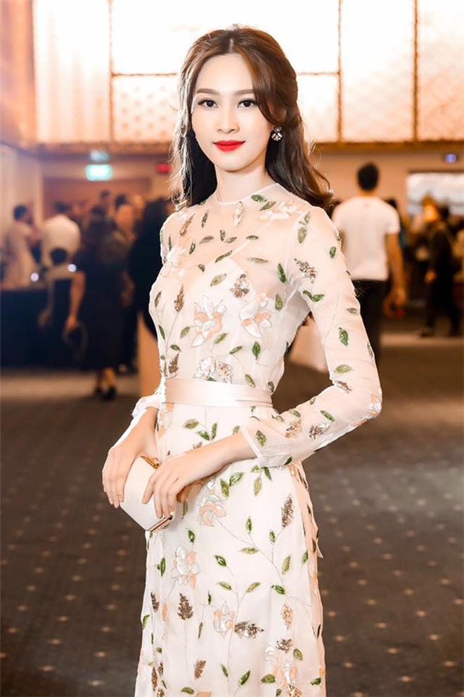 """Hoa hậu Đặng Thu Thảo đẹp như tiên hạ thế mà có lần phải tủi hổ vì 1 chi tiết """"ngại ơi là ngại"""" - Ảnh 3."""
