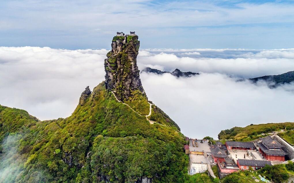 Ngôi chùa được ca tụng như tiên cảnh nhân gian: Nằm trên đỉnh núi tách đôi và quá trình xây dựng vẫn chưa có lời giải - Ảnh 4.