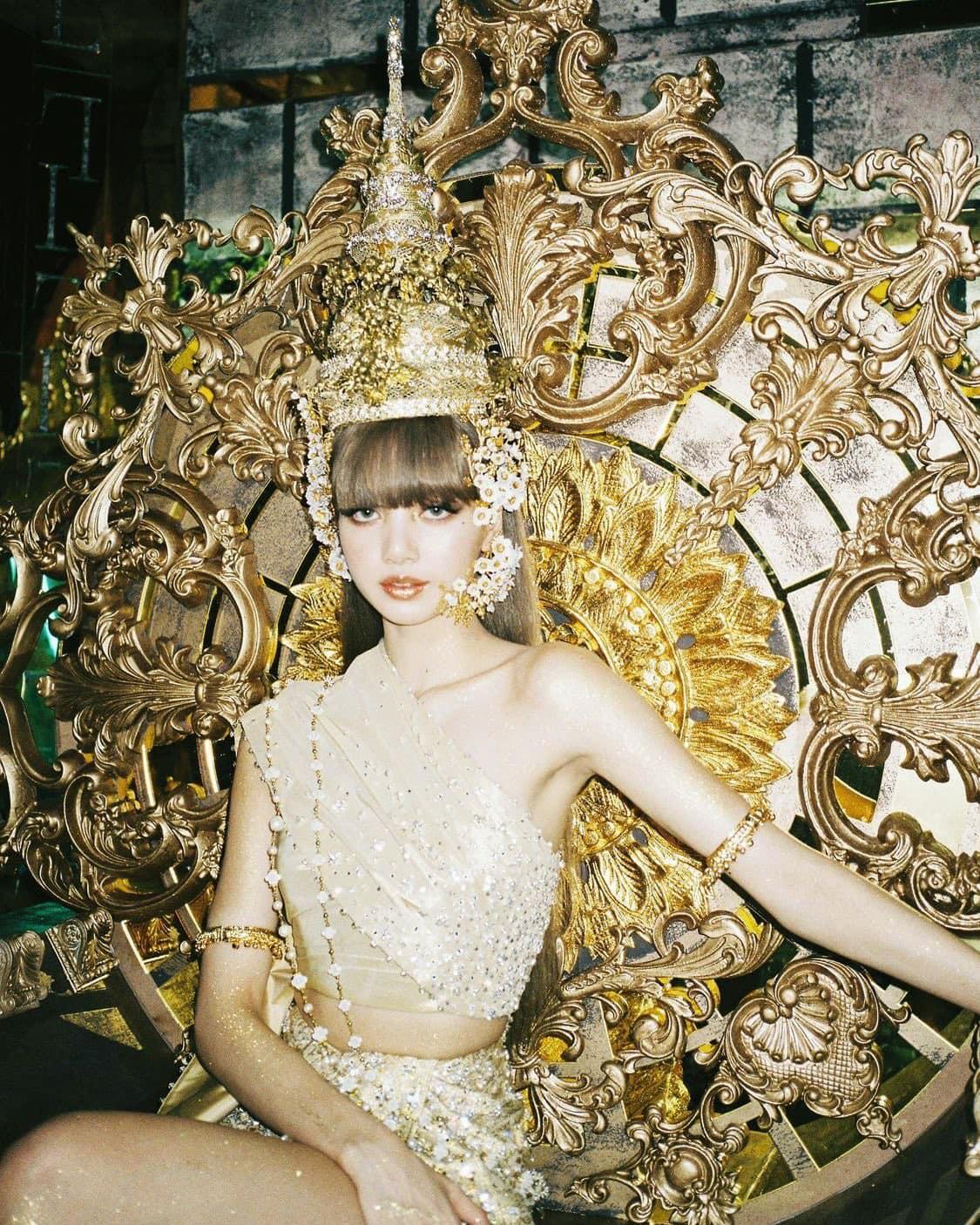 Lisa debut Lalisa - Ảnh 14.