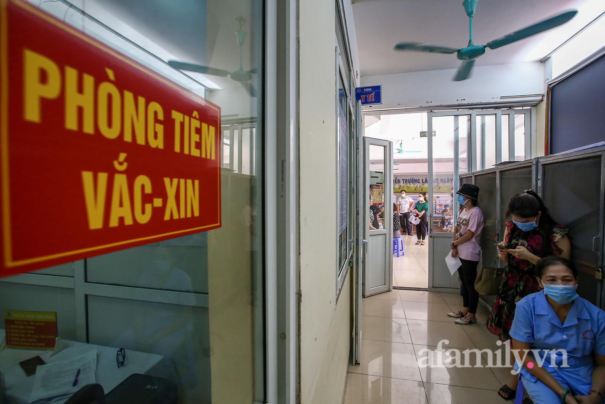 """""""Người dân Hà Nội đã rất văn minh, nhân văn khi tiêm vaccine"""" - Ảnh 1."""