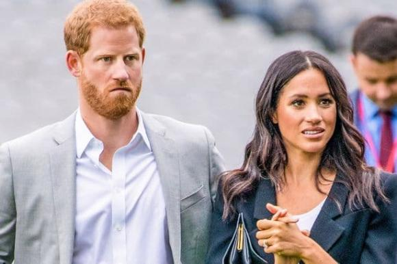 """Vợ chồng Meghan hoàn toàn bị sốc và vỡ mộng trước việc phải """"độc lập tài chính"""", không bám vào hoàng gia - Ảnh 2."""