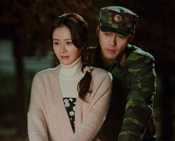 """Phim của Hyun Bin và Son Ye Jin mang tiếng """"flop"""" ở quê nhà nhưng chạy đường dài lại cực tốt, """"bám rể"""" trên Netflix gây ngỡ ngàng - Ảnh 3."""