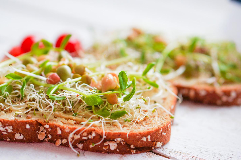 Tăng cường hệ miễn dịch với bánh mì hạt lúa mạch nảy mầm - Ảnh 3.