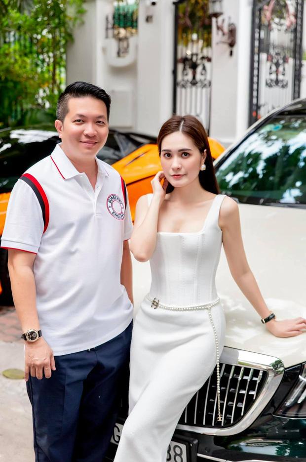 Đôi vợ chồng đại gia tại Sài Gòn xuống cọc ngay ngày iPhone13 ra mắt, quyết tâm là người đầu tiên ở Việt Nam sở hữu siêu phẩm!? - Ảnh 1.
