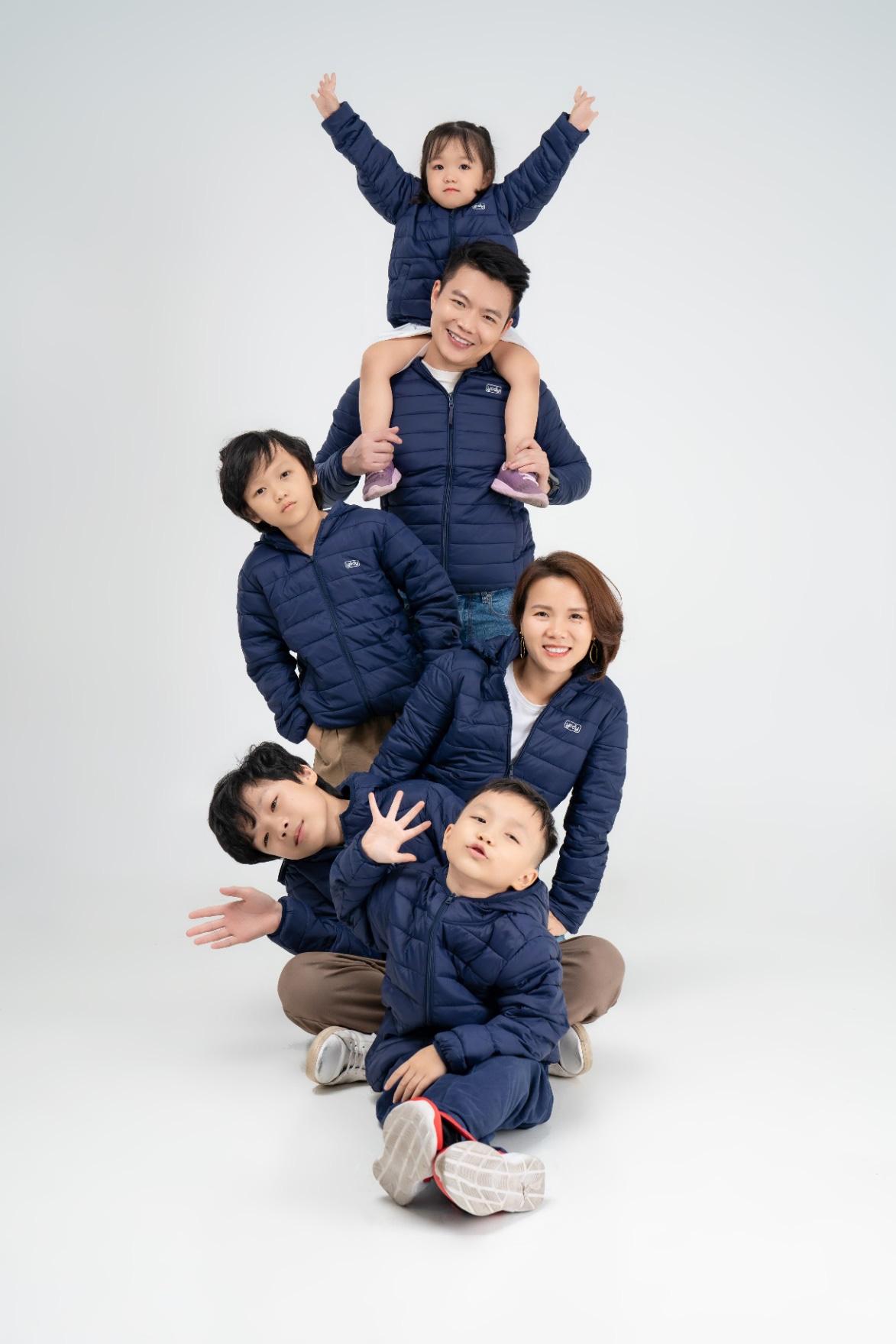 CEO Yody cùng vợ trẻ và 4 con làm đại sứ thương hiệu cho dòng sản phẩm mới - Ảnh 3.