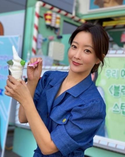Song Hye Kyo bất ngờ được Đệ nhất mỹ nhân Kim Hee Sun tiết lộ tính cách thật ngoài đời, nói gì mà khiến dân tình xôn xao - Ảnh 2.