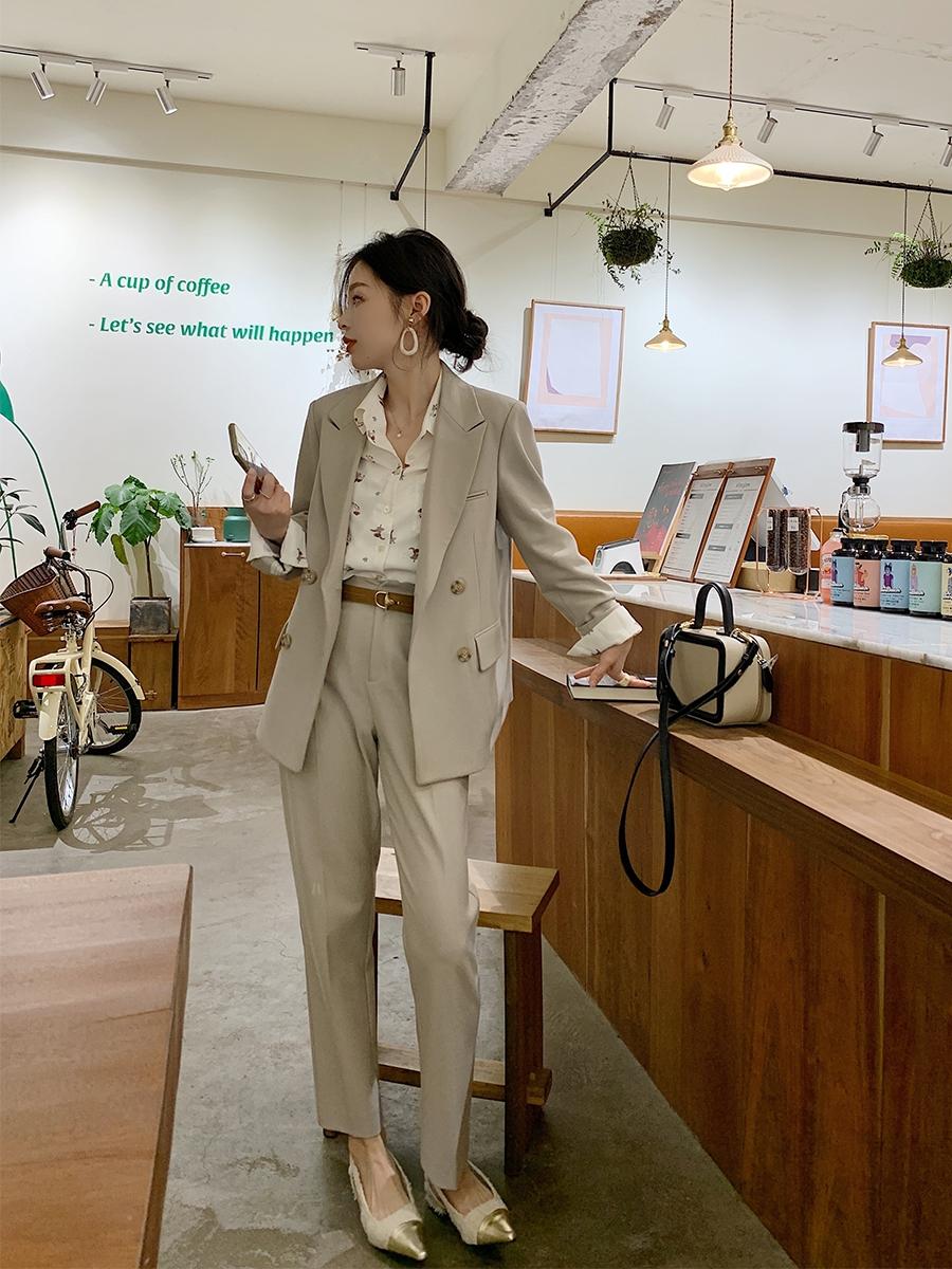 Bổ túc ngay 11  cách mặc blazer đẹp như hội blogger châu Á để nàng công sở luôn sang xịn khi tới sở làm - Ảnh 3.