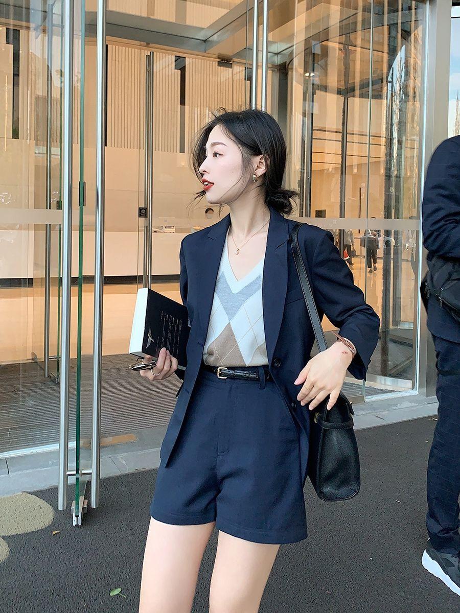 Bổ túc ngay 11  cách mặc blazer đẹp như hội blogger châu Á để nàng công sở luôn sang xịn khi tới sở làm - Ảnh 6.