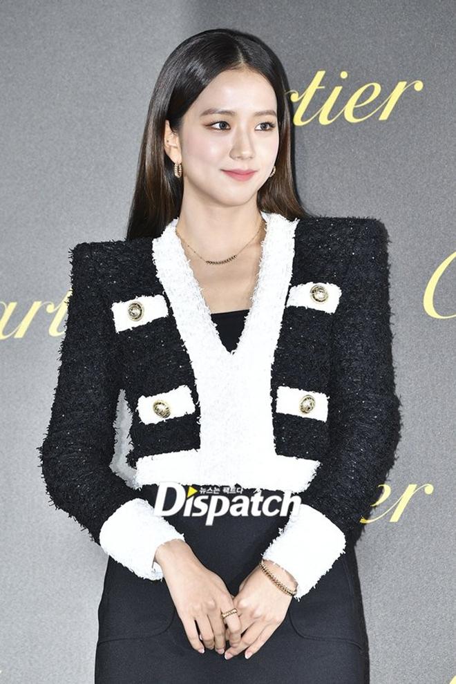 Vì sao Shin Min Ah được đeo ê hề đồ Hermès trong Hometown Cha-cha-cha? - Ảnh 6.