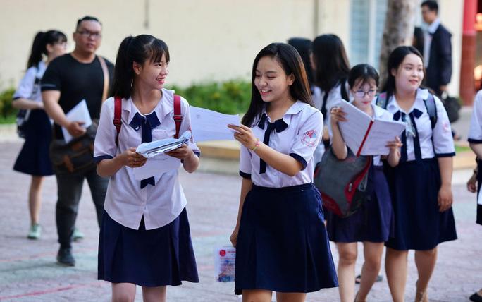 Điểm chuẩn xét tuyển đại học 2021: 71 trường công bố danh sách TRÚNG TUYỂN
