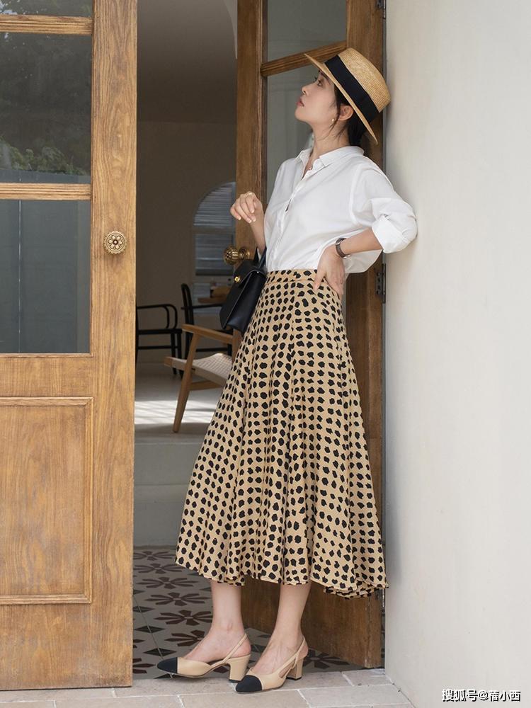 9 cách diện chân váy dài sang xịn mà hội blogger châu Á đang áp dụng nhiệt tình - Ảnh 4.