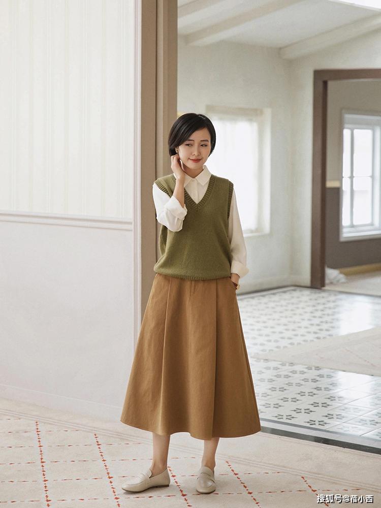 9 cách diện chân váy dài sang xịn mà hội blogger châu Á đang áp dụng nhiệt tình - Ảnh 9.