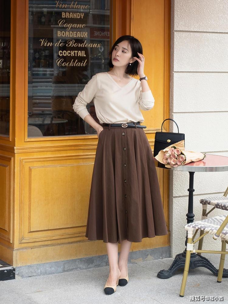 9 cách diện chân váy dài sang xịn mà hội blogger châu Á đang áp dụng nhiệt tình - Ảnh 5.