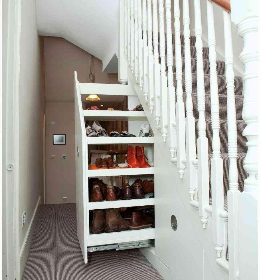 Nếu nhà bạn có gầm cầu thang thì không nên bỏ qua 7 gợi ý hữu ích này - Ảnh 6.