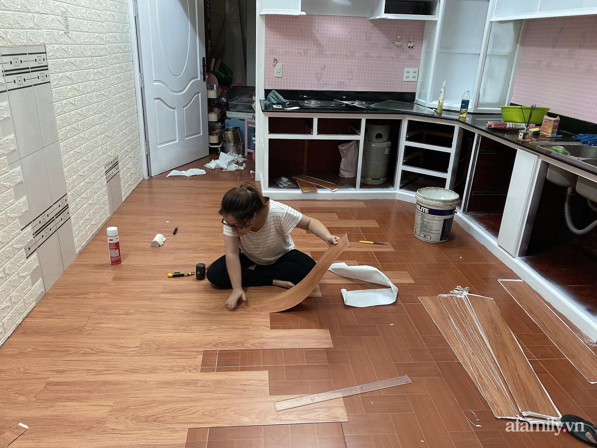 Mẹ trẻ Đà Lạt tự cải tạo căn bếp chật hẹp thành không gian tiện nghi với chi phí rẻ không ngờ - Ảnh 1.