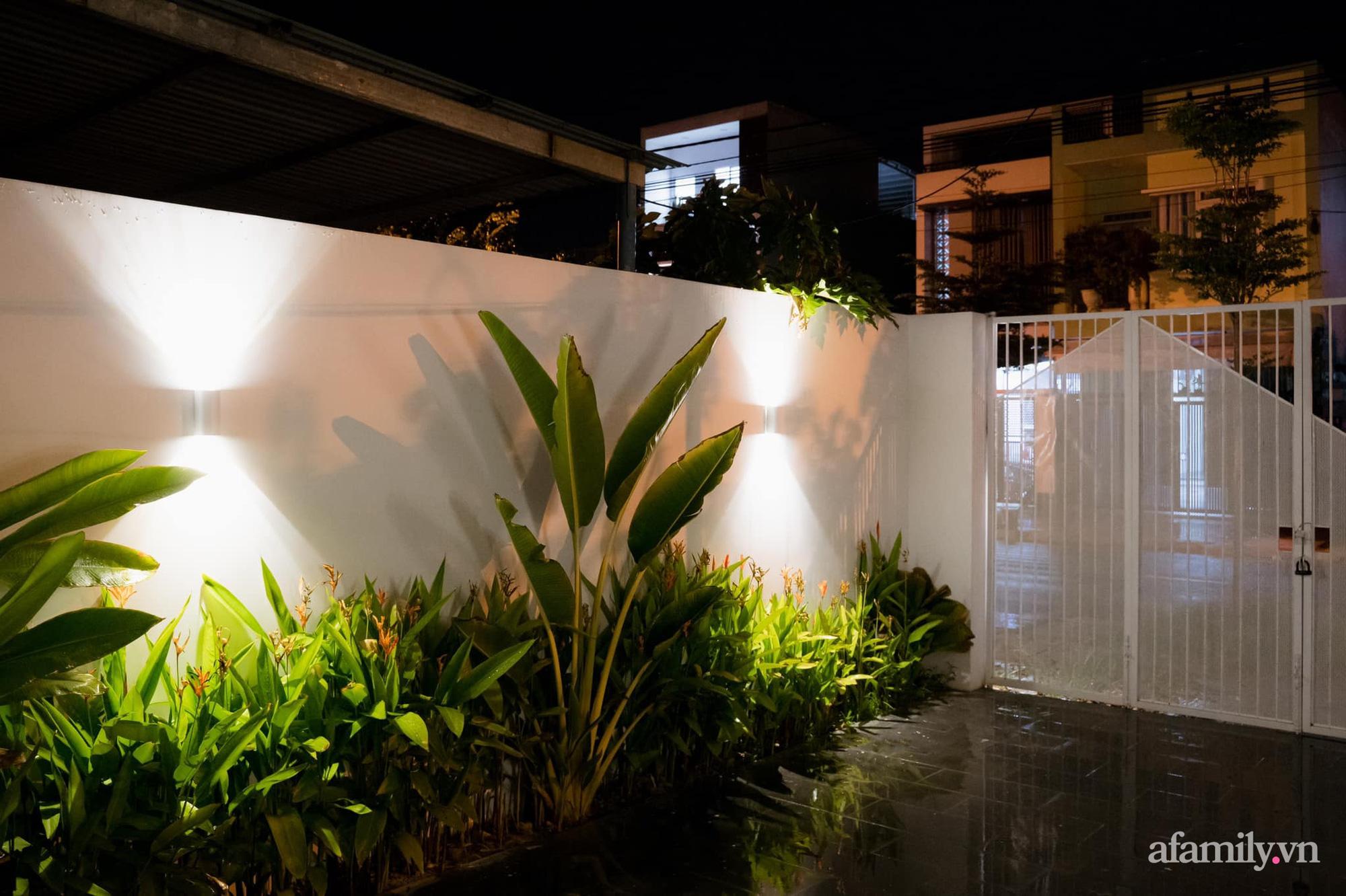 Căn nhà phố màu trắng gọn xinh ấm cúng của cặp vợ chồng trẻ Đà Nẵng có chi phí hoàn thiện 1,4 tỷ đồng - Ảnh 19.