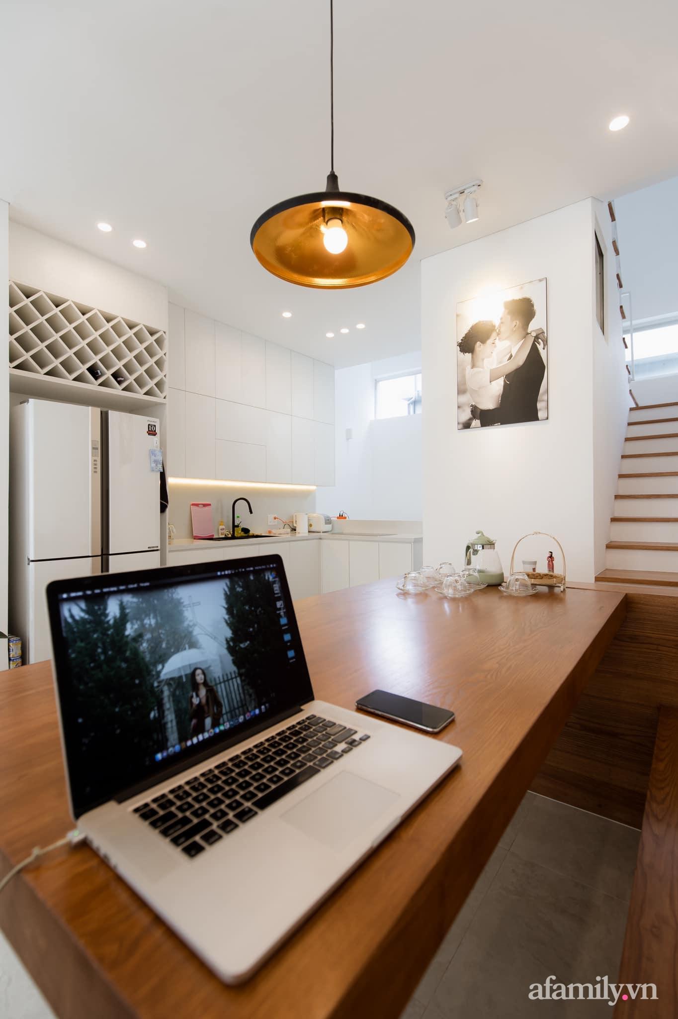 Căn nhà phố màu trắng gọn xinh ấm cúng của cặp vợ chồng trẻ Đà Nẵng có chi phí hoàn thiện 1,4 tỷ đồng - Ảnh 13.