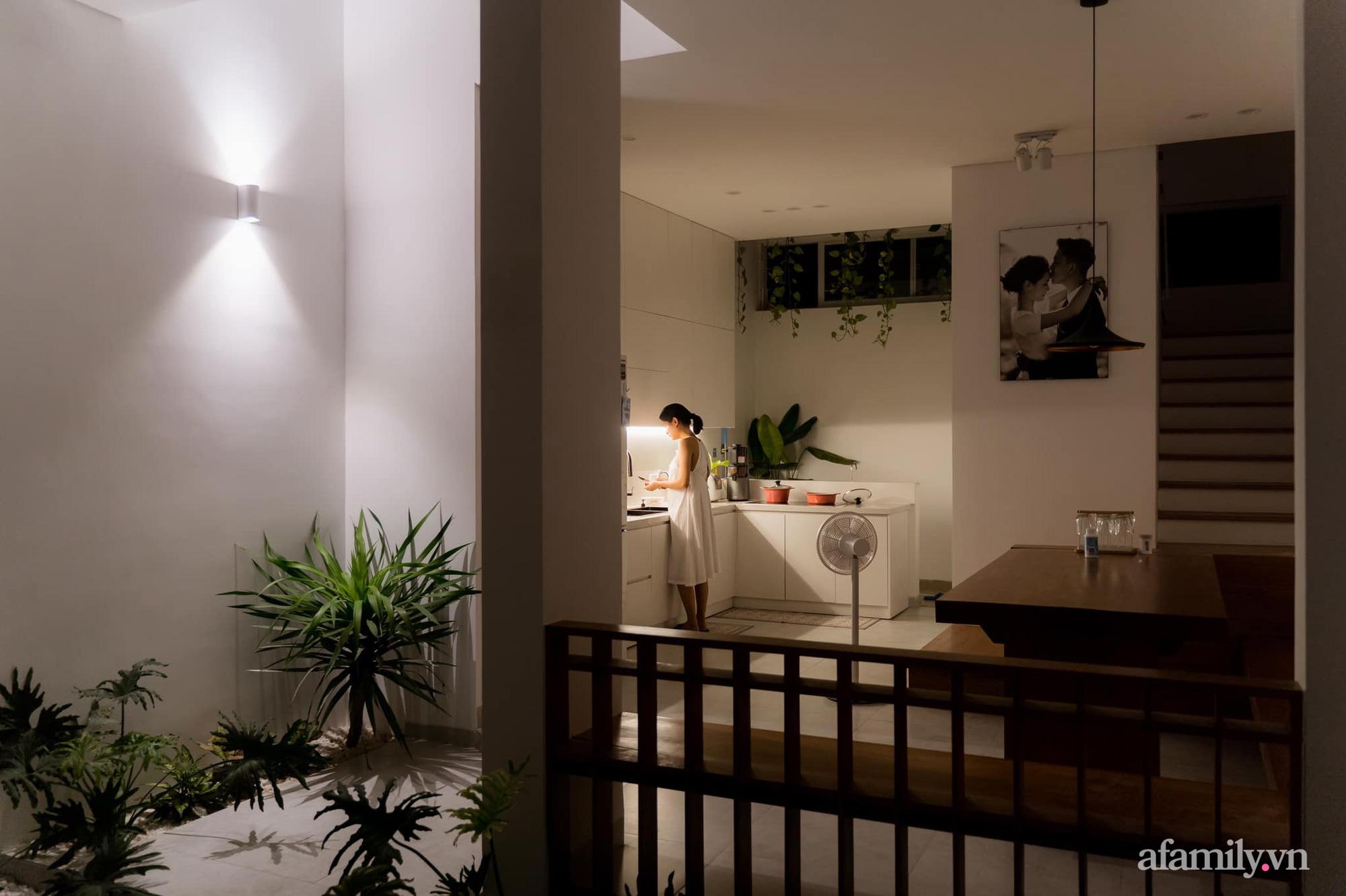 Căn nhà phố màu trắng gọn xinh ấm cúng của cặp vợ chồng trẻ Đà Nẵng có chi phí hoàn thiện 1,4 tỷ đồng - Ảnh 9.