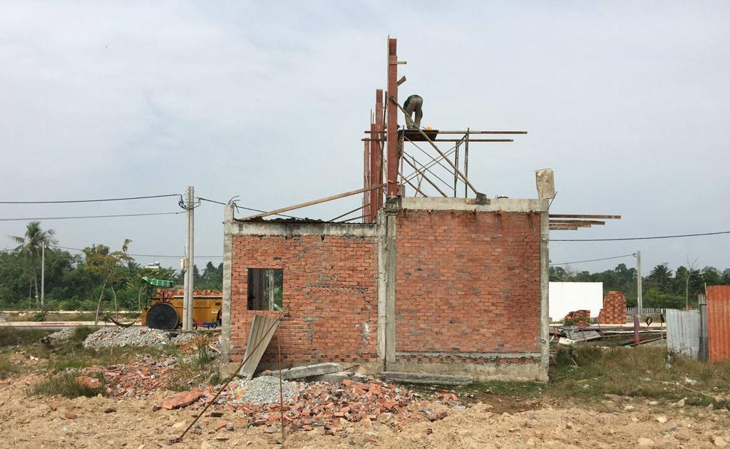Mua nhà nội thành Hà Nội mà gặp nhà đất chưa hoàn công có mua được hay không và cần lưu ý điều gì? - Ảnh 5.