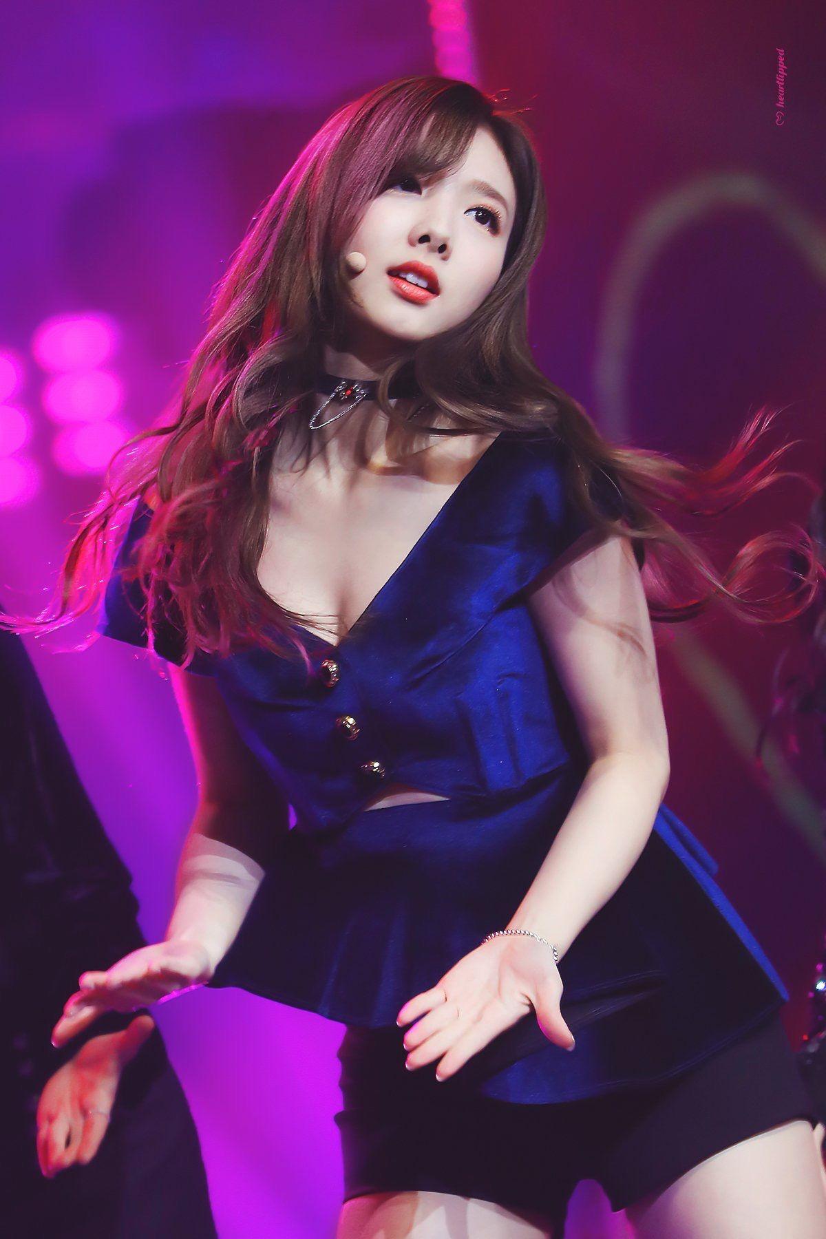 """Nayeon sexy hóa ra sở hữu body """"sexy ngùn ngụt"""", lên đồ lấp ló tí teo cũng đủ khiến netizen choáng váng - Ảnh 6."""