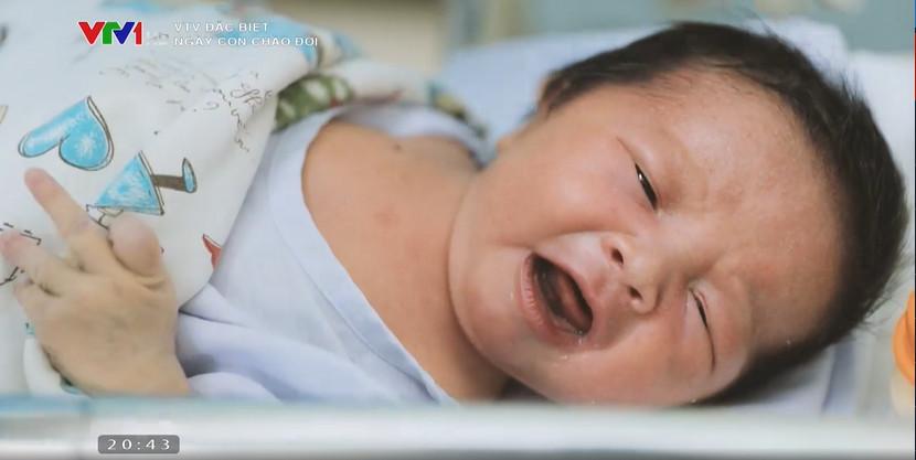 """Phóng sự mới """"Ngày con chào đời"""", không còn ám ảnh, khốc liệt như """"Ranh giới"""" nhưng vẫn lấy đi nhiều nước mắt của mọi người - Ảnh 6."""