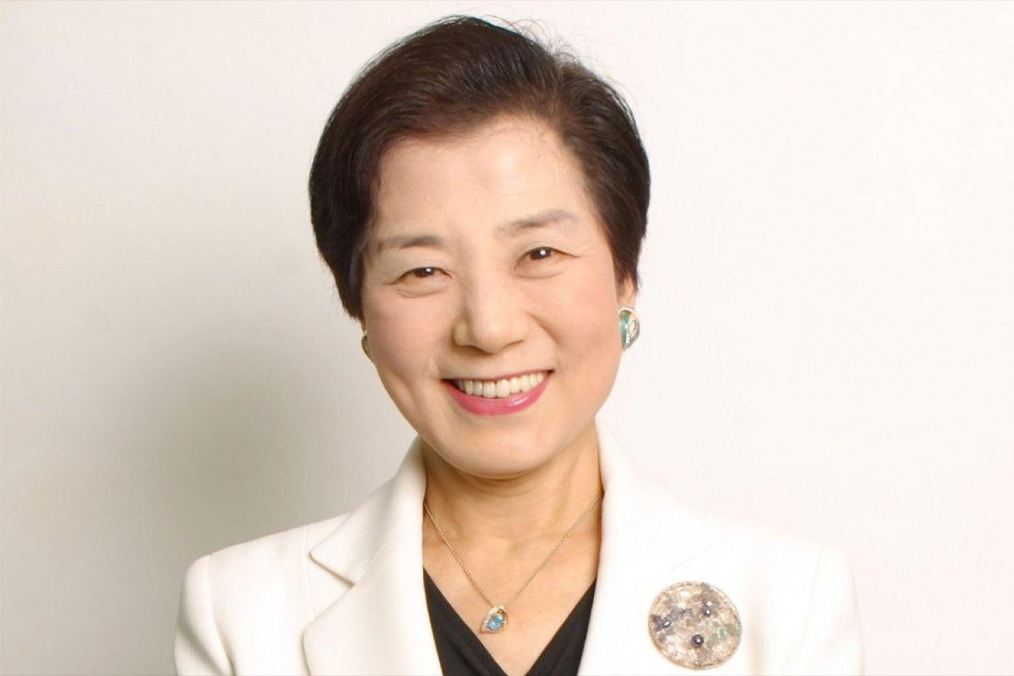 Chỉ học hết phổ thông và sớm ly hôn, người phụ nữ trở thành tỷ phú USD tự thân đầu tiên của Nhật với 5 bí quyết đáng ngưỡng mộ - Ảnh 2.