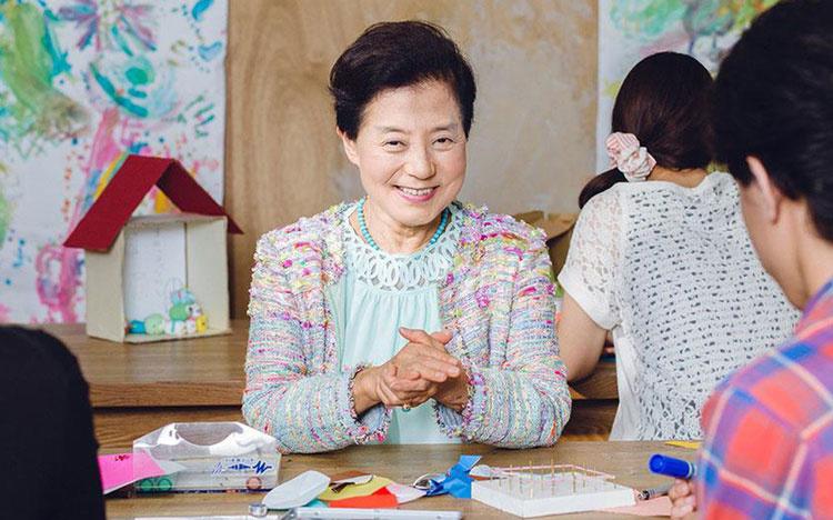 Chỉ học hết phổ thông và sớm ly hôn, người phụ nữ trở thành tỷ phú USD tự thân đầu tiên của Nhật với 5 bí quyết đáng ngưỡng mộ - Ảnh 3.