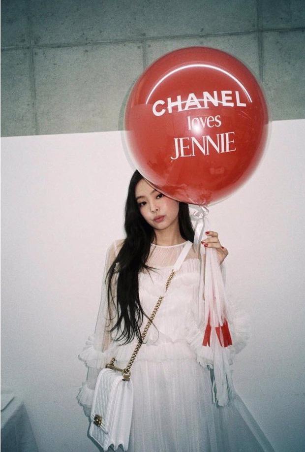 """Từng bị mỉa mai vì danh """"Chanel sống"""" nhưng nay Jennie khiến antifan cũng phải """"ghen tị đỏ mắt"""" - Ảnh 5."""