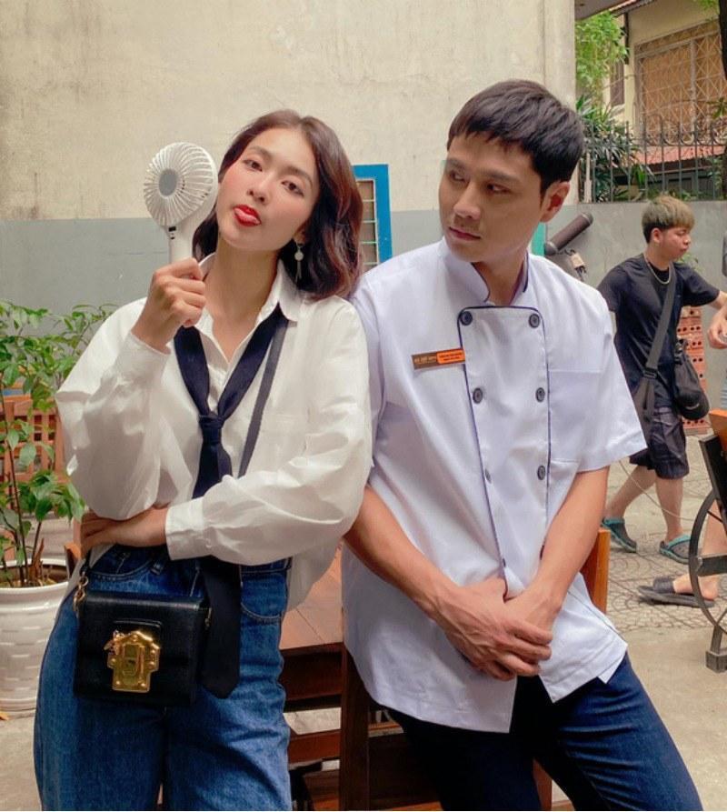 Khả Ngân style trong phim Khả Ngân style trong phim có loạt cách diện áo trắng vừa đẹp vừa sang để nàng công sở copy theo - Ảnh 3.