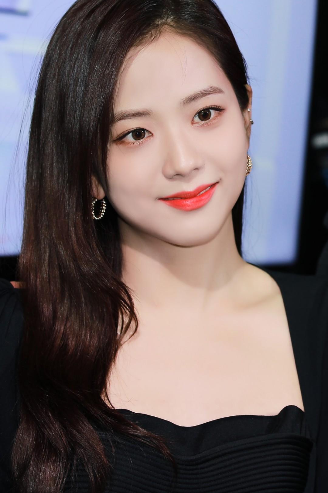 """Jisoo già nua Nhược điểm nhan sắc """"trí mạng"""" của Jisoo, makeup sơ sẩy là già ngay chục tuổi, lộ visual lão hóa không phanh - Ảnh 2."""