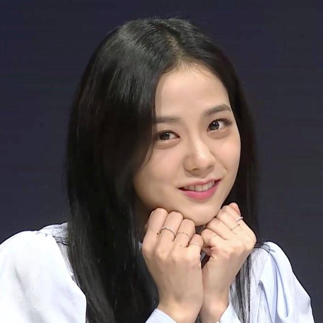 """Jisoo già nua Nhược điểm nhan sắc """"trí mạng"""" của Jisoo, makeup sơ sẩy là già ngay chục tuổi, lộ visual lão hóa không phanh - Ảnh 4."""
