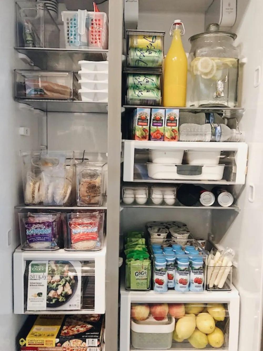 """6 bước đơn giản giúp bà mẹ 4 con """"hóa giải"""" chiếc tủ lạnh chật ních thành gọn gàng, thông thoáng trong những ngày giãn cách ở nhà - Ảnh 9."""