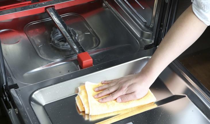 Cách làm sạch máy rửa bát chỉ với 3 bước dễ dàng - Ảnh 8.