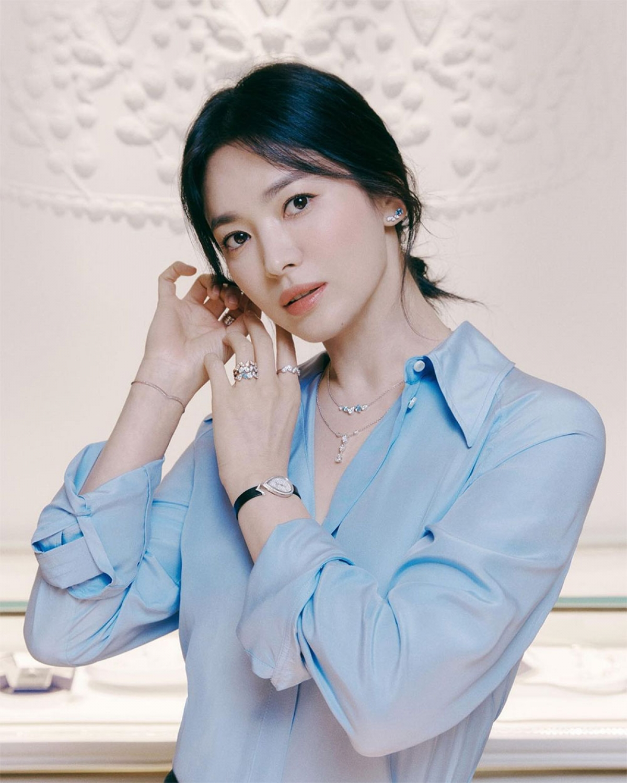 Song Hye Kyo sexy bùng nổ - Ảnh 1.