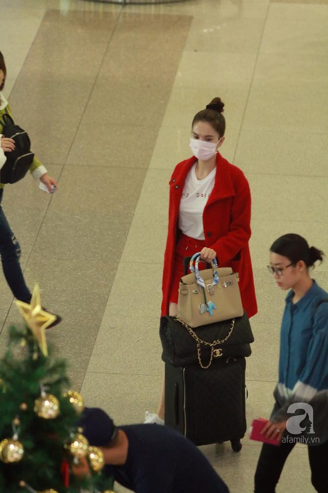 Ngọc Trinh nhìn hiền khô với tóc mái mưa, Phạm Hương giản dị đi mua sắm ở chợ quê - Ảnh 7.