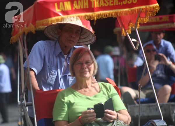 Mùa đông Hà Nội nắng nóng không khác gì hè, nhiệt độ cao hơn 4 độ C so với cùng kỳ 10 năm qua - Ảnh 4.