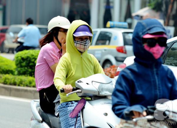 Mùa đông Hà Nội nắng nóng không khác gì hè, nhiệt độ cao hơn 4 độ C so với cùng kỳ 10 năm qua - Ảnh 2.