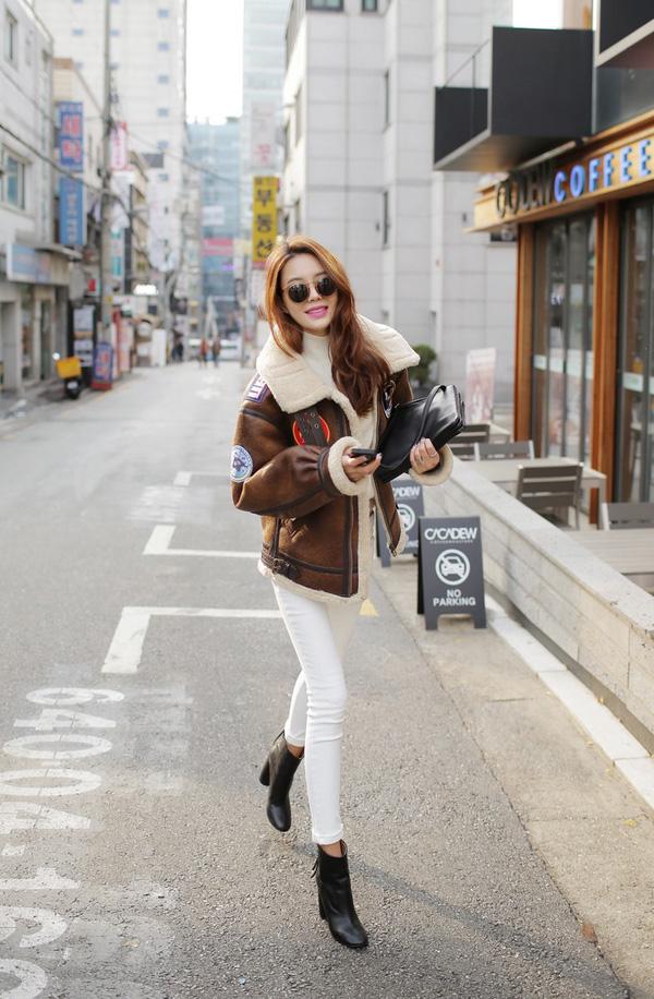 4 tips mặc áo len cổ lọ thật phong cách trong ngày trở lạnh - Ảnh 11.