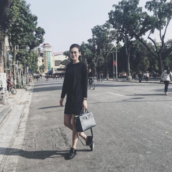 Ngọc Trinh nhìn hiền khô với tóc mái mưa, Phạm Hương giản dị đi mua sắm ở chợ quê - Ảnh 18.