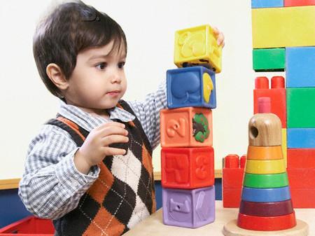 Bác sĩ Nhi khoa gợi ý 6 trò chơi kích thích trẻ phát triển trí não từ sớm - Ảnh 3.