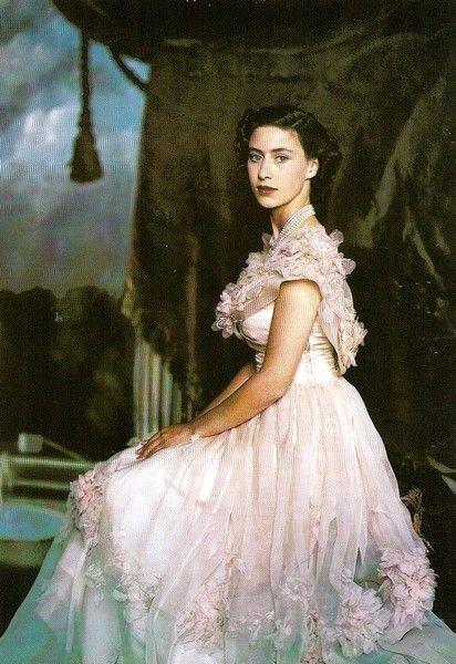 Giữa Hoàng gia Anh quyền quý, có một nàng công chúa ngỗ nghịch nhưng xinh đẹp bậc nhất như thế này đây - Ảnh 1.